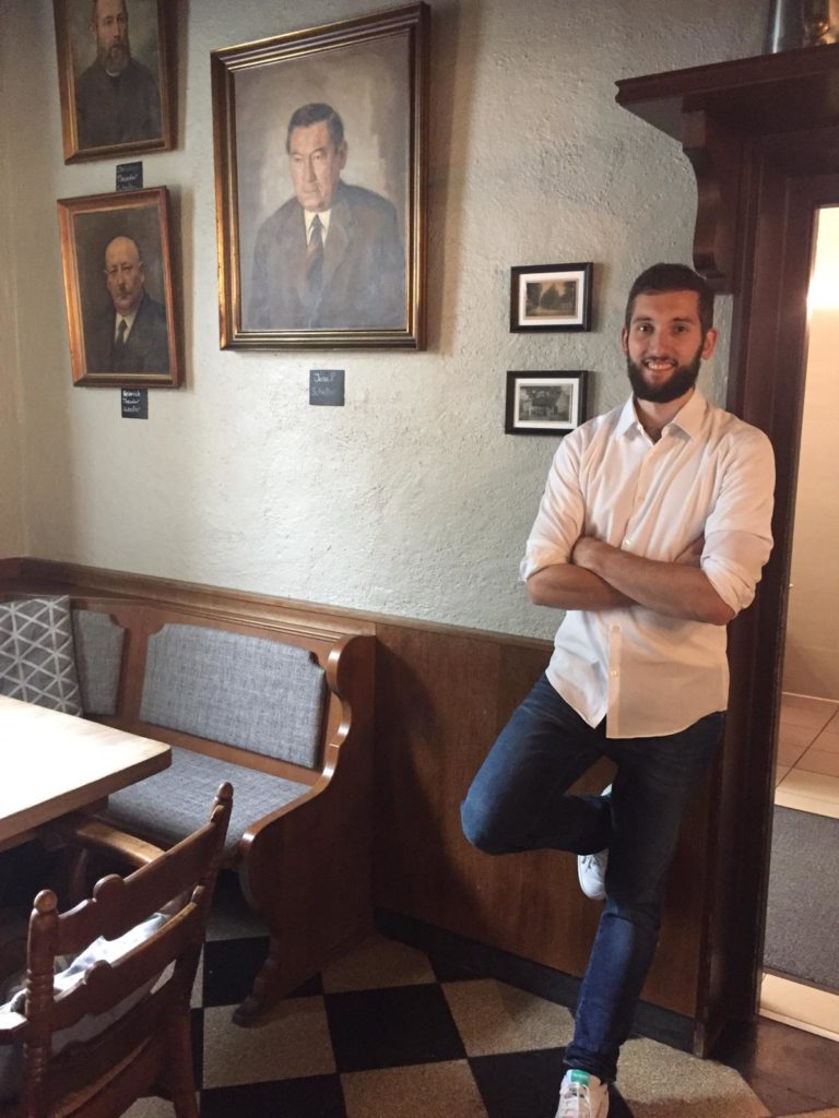 Henrik Scheller Inhaber Henriks Restaurant in Münster Hiltrup, Sommelier und Gastgegber